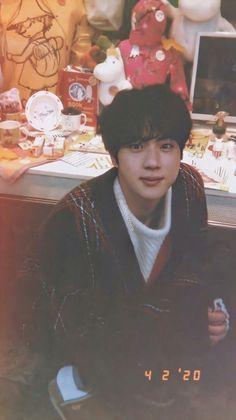 Seokjin, Kim Namjoon, Jung Hoseok, Foto Bts, Bts Photo, Bts K Pop, K Wallpaper, Bts Aesthetic Pictures, Kookie Bts
