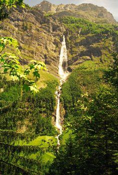 hike to waterfall Beautiful Waterfalls, Travel Memories, Basel, Rivers, Switzerland, Nature Photography, Wanderlust, Around The Worlds, Hiking
