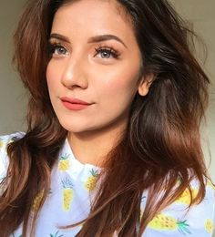 Aakhiyon se goli maare ladki kamaal Stylish Girls Photos, Girl Photos, Comedy Video Clips, Musically Star, Girly Pictures, Girly Pics, Summer Makeup Looks, Profile Picture For Girls, Girl Trends