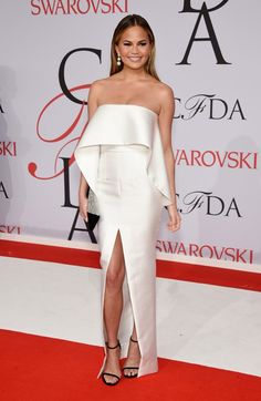 Chrissy Teigen (Solace London) - Julho 2015 (CFDA Fashion Awards)