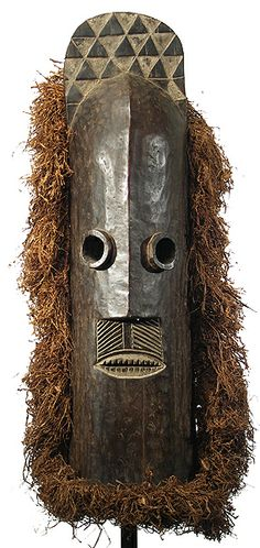 Democratic Republic of Congo. Pende / Azande Pumbu Mask