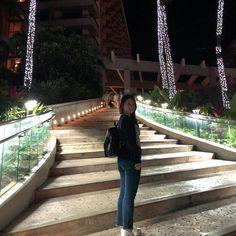 Warm evening nights like these  . . . . . . . #aesthetic #peoplescreative #december #stayandwander #tbt #travelling #design #lovedesign #hawaii #holidays #contemporary #pursuepretty #modern #likeforlike #thatsdarling #honolulu #stayandwander #escapecreate #exploretocreate #lifestyle #minimalist #aesthetictumblr #postitfortheaesthetic #wanderlust #folkmagazine #evening #ootd #walks #tropical #nofilter
