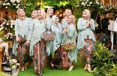 Wedding Dresses Simple Modern Bridesmaid 66 Ideas For 2019 Kebaya Lace, Batik Kebaya, Kebaya Dress, Batik Dress, Lace Dress, Inexpensive Bridesmaid Dresses, Neutral Bridesmaid Dresses, Bridesmaid Outfit, Wedding Dresses