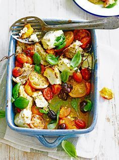 Caprese: Tomate, Mozzarella, Basilikum - My list of simple and healthy recipes Cheese Recipes, Vegetable Recipes, Vegetarian Recipes, Cooking Recipes, Healthy Recipes, Cooking Time, Salad Recipes, Vegetarian Starters, Greek Dishes