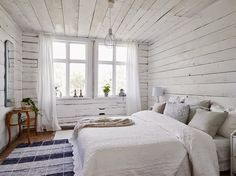 Tour this bright Swedish cottage: the all white interior is anything but boring Swedish Cottage, White Cottage, Home And Deco, Cozy House, Decor Interior Design, Bedroom Decor, Wooden Bedroom, Cozy Bedroom, House Design