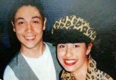 What a smile on Chris's face! Selena always with a beautiful smile! Selena Quintanilla Perez, Suzette Quintanilla, Mom Film, Selena And Chris Perez, Mexican Outfit, I Icon, Her Music, Beautiful Smile, S Pic