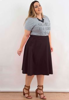 Tanesha Awasthi's top summer styling tips for curvy girls Outfits Plus Size, Plus Size Skirts, Curvy Outfits, Skirt Outfits, Cool Outfits, Curvy Fashion, Fashion Looks, Plus Size Fashionista, Plus Size Looks