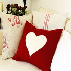 Sew a love heart cushion :: free sewing pattern :: cushion cover :: UK sewing patterns Cute Cushions, Knitted Cushions, Heart Cushion, Heart Pillow, Hobbies And Crafts, Crafts To Make, Beautiful Home Designs, Handmade Cushions, Shape Crafts
