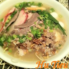 Hu Tieu Nam Vang(Sliced and minced pork noodle) Easy Vietnamese Recipes, Vietnamese Cuisine, Asian Recipes, Wheat Free Recipes, Allergy Free Recipes, Do It Yourself Videos, Pork Recipes, Cooking Recipes, Gluten Free Soup
