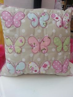 (what a beautiful, butterfly pillow! Applique Cushions, Cute Cushions, Patchwork Cushion, Cute Pillows, Sewing Pillows, Quilted Pillow, Diy Pillows, Applique Quilts, Decorative Pillows