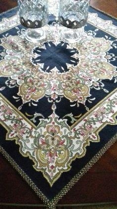 Hand Embroidery, Bohemian Rug, Cross Stitch, Colours, Rugs, Decor, Farmhouse Rugs, Punto De Cruz, Decoration