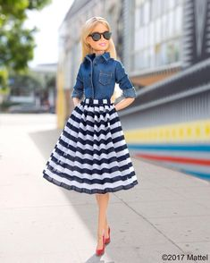 """51.1K 次赞、 166 条评论 - Barbie® (@barbiestyle) 在 Instagram 发布:""""Solids and stripes are always in style!  #barbie #barbiestyle"""""""
