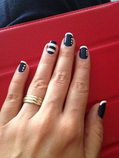 Nautical nails blue and white