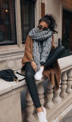 "The authentic ""Ohh-my-Scarf"". Get cozy in style and complete your outfit with our extra long, oversized, super chunky, soft and time Casual Winter Outfits, Winter Fashion Outfits, Look Fashion, Trendy Outfits, Fashion 2020, Autumn Fashion Women Fall Outfits, Women's Casual, Fashion Dresses, Classy Winter Fashion"