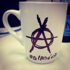 Café anárquico! #cafe #anarquia #qpaiseeste #quepaiseeste www.diariodebordo.net.br