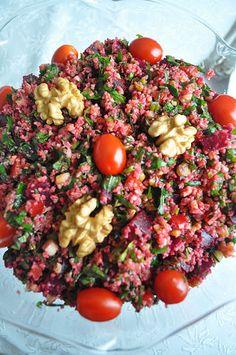 Turkish beetroot bulgur with walnuts Bulgur Salad, Beetroot, Food Design, Main Meals, Cobb Salad, Salads, Roast, Low Carb, Vegan