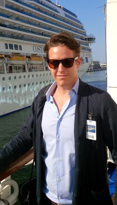 Will Chelsom, Managing Director Pilot, Aviation, Mens Sunglasses, Face, Fashion, Moda, La Mode, Air Ride, Faces