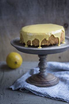 Delicious lemon-polenta cake for Easter. http://www.jotainmaukasta.fi/2015/02/21/kakkukisa-koopenhaminassa/