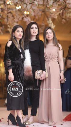 Pakistani Formal Dresses, Pakistani Fashion Party Wear, Pakistani Wedding Outfits, Pakistani Dress Design, Indian Dresses, Beautiful Dresses For Women, Stylish Dresses For Girls, Wedding Dresses For Girls, Party Wear Dresses