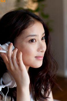 Takei Emi Japanese Beauty, Japanese Girl, Asian Beauty, Natural Beauty, Pretty Asian, Beautiful Asian Women, Beautiful Ladies, Girls In Love, Pretty Girls