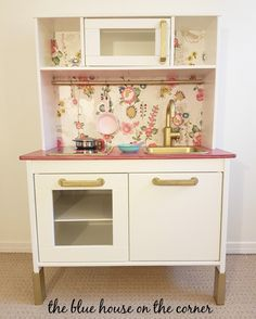 So last year for our daughters first birthday, I turned an old entertainment unit into a play kitchen for her!  Then our house was burnt down and it was lost.  But she loved playing with it, it was…