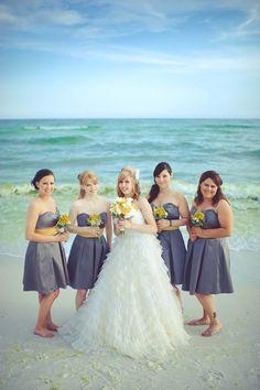 Lindsey & her bridesmaids  http://brds.vu/A7vxNZ  #WeddingPhotos