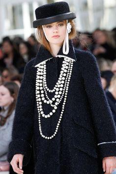 Chanel Fall 2016 Ready-to-Wear Fashion Show Details Chanel Fashion Show 4a109d5f317
