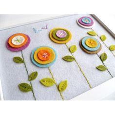 "Handmade felt flower ""painting"" made by DoejijCreaties: Yarn Crafts, Fabric Crafts, Sewing Crafts, Felt Diy, Handmade Felt, Scrap Fabric Projects, Sewing Projects, Felt Flowers, Fabric Flowers"