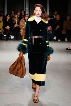 Simonetta Ravizza Fall 2017 Ready-to-Wear Collection Photos - Vogue