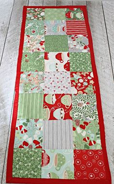 How to make a simple table runner   The Stitching Scientist-by Remona This table runner fits a 4ft long table perfectly and the pattern can be adjusted for larger tables. Its a great beginner sewing and quilting project which only took about an hour to make and since I bought my charm pack