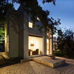 Arquinoma designed the Casa Besares in Mendoza, Argentina.