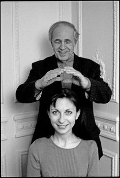 Pierre BOULEZ finds her voice so divine that he makes a crown over her head. Make A Crown, Magnum Photos, Conductors, Classical Music, Pathways, The Voice, Musicians, Actors, Songs