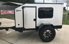 Light, simple Wrangler X trailer beckons you to build your own off-road adventure Small Camping Trailer, Small Travel Trailers, Off Road Camper Trailer, Small Campers, Truck Camping, Camper Trailers, Trailer Build, Camping Life, Expedition Trailer