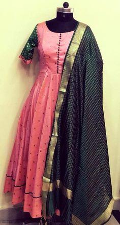 Kalamkari Dresses, Ikkat Dresses, Kids Blouse Designs, Sari Blouse Designs, Indian Gowns, Indian Outfits, Indian Wear, Long Gown Dress, Long Gowns