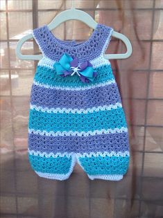Crochet Baby Boy Romper Pattern Free : Crochet infant romper 3-6 m Crochet baby dresses Pinterest