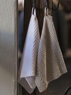 Neulottu raidallinen pikkupyyhe Novita Cotton Bamboo