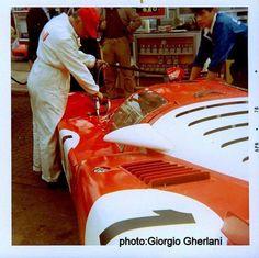 1970 Monza, 1000 km, refueling paddock, Spa Ferrari SEFAC with the Amon-Merzario Ferrari Racing, Ferrari Car, F1 Racing, Vintage Racing, Vintage Cars, Vintage Auto, Automobile, Lotus Exige, James Hunt