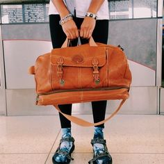 Loving @chloecircus' #SocksAndSandals combo in her ready-to-travel look.