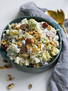 brokkolisalat med druer Cooking Recipes, Healthy Recipes, I Love Food, Snacks, Salad Recipes, Tapas, Side Dishes, Food Porn, Food And Drink