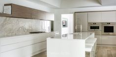 STREAMLINED SIMPLICITY - Downsview Kitchens and Fine Custom Cabinetry | Manufacturers of Custom Kitchen Cabinets