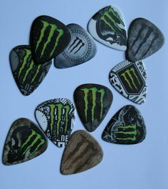 Monster Energy ^^ Want Monster Energy Clothing, Monster Energy Girls, Monster Energy Gear, Bebidas Energéticas Monster, Monster Decorations, Monster Crafts, Custom Guitar Picks, Indie Kids, Cool Guitar