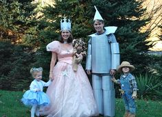 The Wizard of Oz Costume Idea for Families-(now if only i could get Tim to be the tin man)