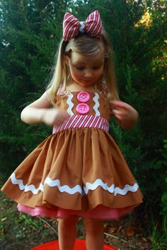 Girls Gingerbread Man Dress Size 3 Shrek Halloween Fancy Dress Up Sewing For Kids, Baby Sewing, Sewing Clothes, Doll Clothes, Little Girl Dresses, Girls Dresses, Fancy Dress, Dress Up, Diy Dress