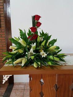 Contemporary Flower Arrangements, Church Flower Arrangements, Church Flowers, Vase Arrangements, Beautiful Flower Arrangements, Most Beautiful Flowers, Funeral Flowers, Flower Vases, Flower Art