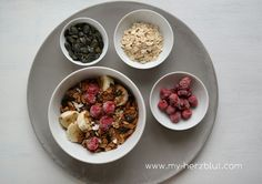 Homemade Granola - leckeres gebackenes Müsli: leicht und schnell gemacht. Das Rezept auf dem Blog