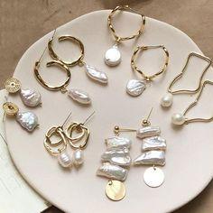 Design Metal Gold Geometric Irregular Circle Square Natural Freshwater Pearl Stud Earrings for Women Girl Gift - pearls - Schmuck Tassel Drop Earrings, Pearl Stud Earrings, Pearl Studs, Pearl Jewelry, Women's Earrings, Gold Jewelry, Jewelry Accessories, Jewelry Design, Jewlery