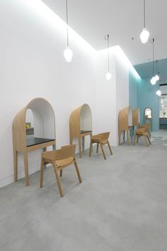 LE COIFFEUR by Margaux Keller + Bertrand Guillon