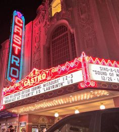 Retro signage breathes new life into repurposed movie houses and still-operating cinemas. Vintage Neon Signs, Vintage Decor, Retro Signage, Lets Run Away, Sign Sign, Theatres, Advertising Agency, Old Movies, California Usa