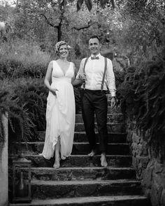 """""""Ok, es gibt wunderschöne Hochzeitsschuhe, aber barfuß ist es viel gemütlicher. Findet ihr nicht? #kleinehochzeit #gartenhochzeit # toscanahochzeit #hochzeitsfotos Dance Like This, Barefoot, Wedding Shoes, Wedding Photography, Beautiful, Fiction, Dance, Nice Asses, Bhs Wedding Shoes"""