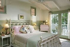 Cool 80+ Shabby Chic Home Decor Ideas https://architecturemagz.com/80-shabby-chic-home-decor-ideas/